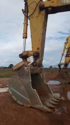 Escavadeira Komatsu PC600 (Aceito Troca)