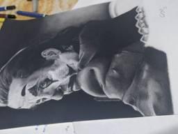 Vendo desenho realista do coringa ENQUADRADO feito de grafite sobre papel A4