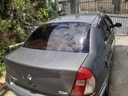 Clio Sedan 2005