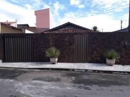 Vilage da Serra - casa c/ 3 quartos (01 suíte externa)