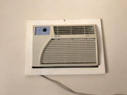 Ar condicionado janela Gree  7.000btus com controle