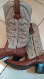 Vendo bota de couro de avestruz