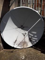 Antena SKY e ar condicionado