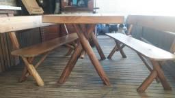 Vendo mesa de churrascaria,6 lugares , rústica pinus tratado reforçada