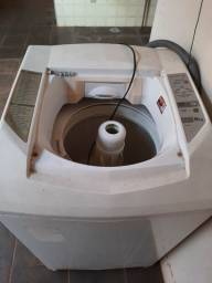 Máquina de lavar (Só está centrífugando)