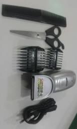Máquina de barbear e cortar cabelo com pentes reguláveis, bateria recarregável e tesoura