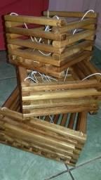 Cachepote de madeira