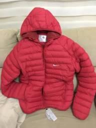 Jaqueta forrada com capuz