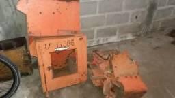 Trator de esteiras 7D desmontado ano 2000