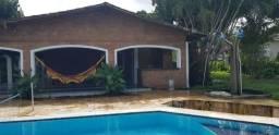 Vende-se excelente casa em Aldeia condomínio fechado, bem localizada e nascente