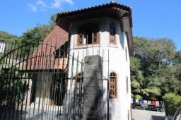 Casa de 3 dormitórios no Santa Candida