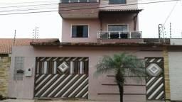 Vendo linda casa próximo à prefeitura