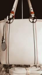 Bom gosto e estilo com essa bolsa feminina