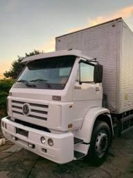 Caminhão vw 23210 2004 com baú