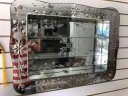 Antiga vitrine em Espelho Cristal Veneziano