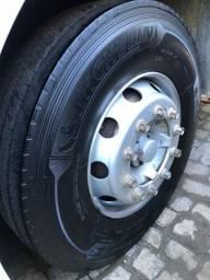 Pneus 295 - Michelin