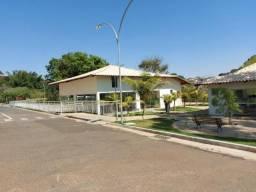 Apartamento com 2 dormitórios para alugar, 60 m² por R$ 700,00/mês - Vila Formosa - Anápol