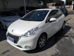 Peugeot 208 Active Pack automático Ano: 14/15