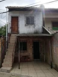 Vende-se casa altos e baixo em área privilegiada a 50 metros da BR 316 WhatsApp *
