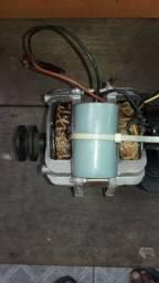 Motor de tanquinho (maquina de lavar)