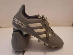 Título do anúncio: Chuteira Adidas Predator, número 37