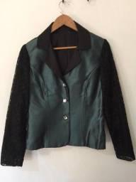 Título do anúncio: Blazer corpo zibeline de seda e manga de renda