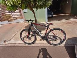 Vendo bicicleta aro 29 quando 23 21 marcha tenho nota fiscal