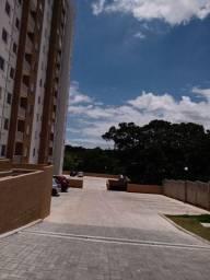 Aluga apartamento na R. Carlos de Campos-Vl.Correa