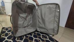 Vendo duas malas de viajem