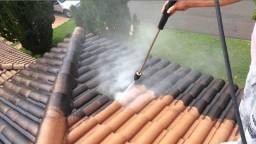 Lavação de telhados calçadas e fachadas muros lavagem em geral