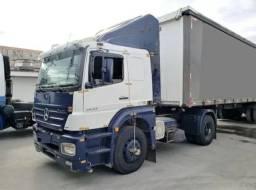 Caminhão Axor 2013