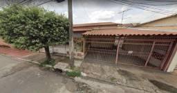 Casa 3 Quartos Setor Coimbra | 2 Barracões no fundo