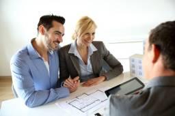 Vaga para Corretor de Imóveis (Contrato Prestação de Serviços, altas comissões, sem fixo)