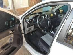 Fiesta sedan 2010 1.0 clasic completo