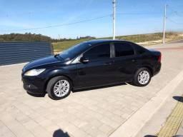 Focus Sedan GLX 2012