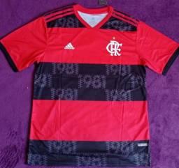 Camisa do Flamengo rubro-negra 2021 (disponível: GG e EGG)