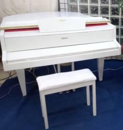 Piano meia cauda digital Yamaha branco