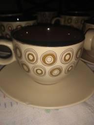 Xícara de porcelana com pires 200ml