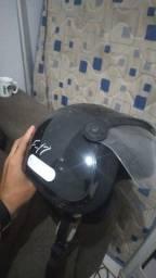 Vendo capacete f17 preto