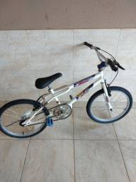 Bicicleta aro 20 semi nova pneus novos