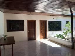 Casa dos Fundos / Centro / 2 Quartos