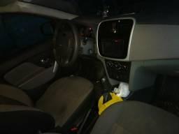 Renault Logan Expr. 1.6 5P 106CV - 2014