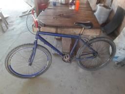 Vendo essa bicicleta por 200 reais