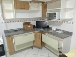 Cozinha completa com granito