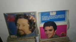 Baixei 2 discos de vinil por