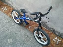 Bicicleta Caloi pequena