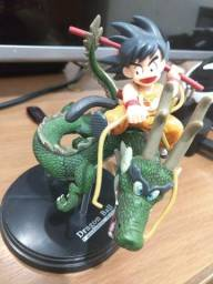 Action figure dragon ball goku