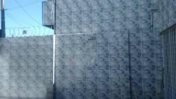 Casa em Olinda, 05 Quartos sendo 01 Suíte, 07 Vagas de Garagem coberta, Nascente