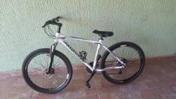 Bike de trilha aro 26 quadro 18 !