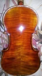 Violino feito por Luthier